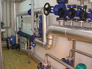 Пуск/остановка потока продукта в трубопроводе в молочной промышленности